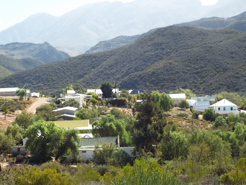 The village of De Rust and the Swartberg